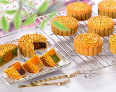 Lớp bánh Trung thu truyền thống